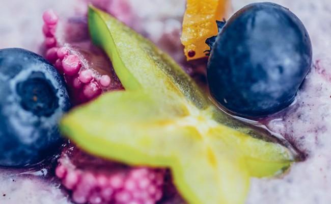 Zdrav (i stvarno ukusan!) slatkiš Chia puding sa voćem